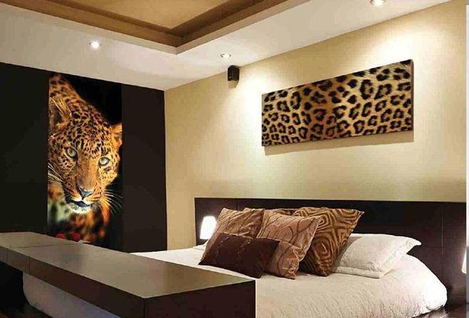 леопардовые обои в интерьере фото