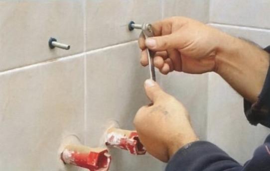 крепление раковины в ванной