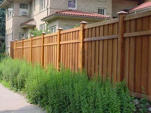 Koľko je drevený plotový meter