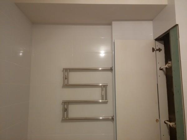 Как сделать дверку в короб в ванной комнате