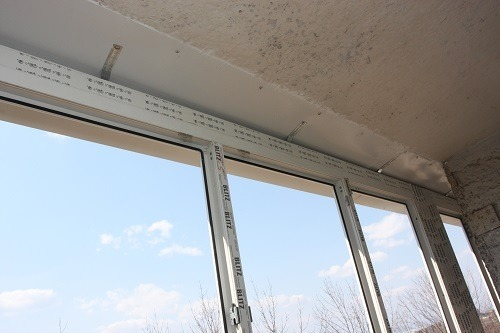 Установка пластикового окна на лоджию своими руками