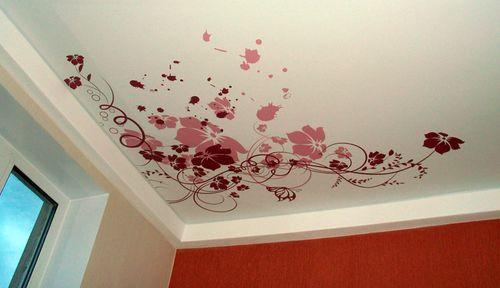 трафарет на потолке