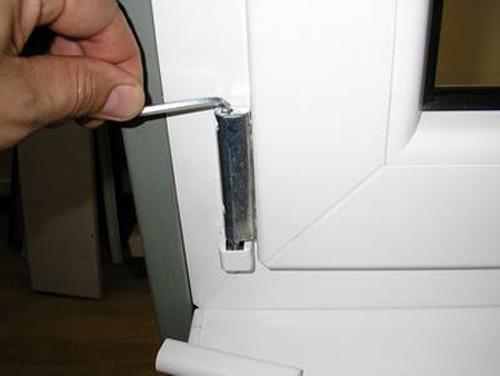 Как снять пластиковую дверь с петель своими руками