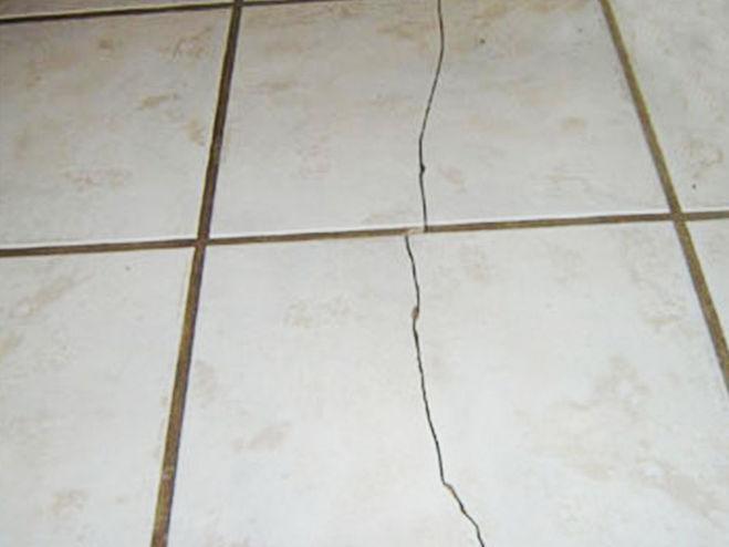 Почему лопается керимическая плитка на стене