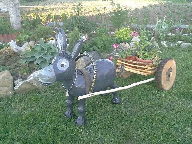 Медведь из монтажной пены для сада и огорода своими руками фото 5