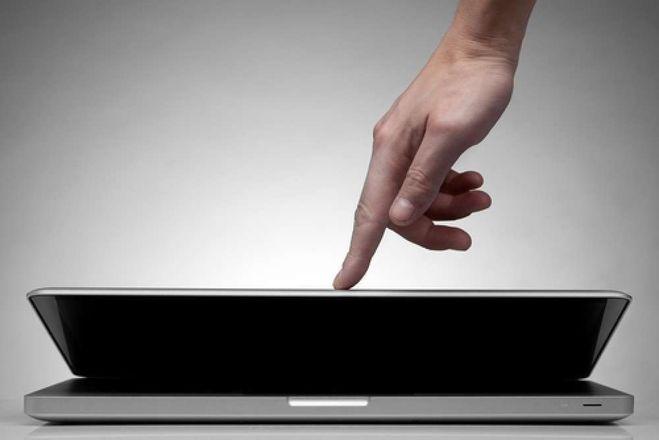 Что будет если закрыть экран ноутбука не завершив работу через кнопку Пуск? Так можно делать?