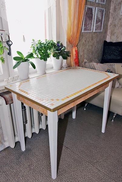 Своими руками обновит кухонный стол