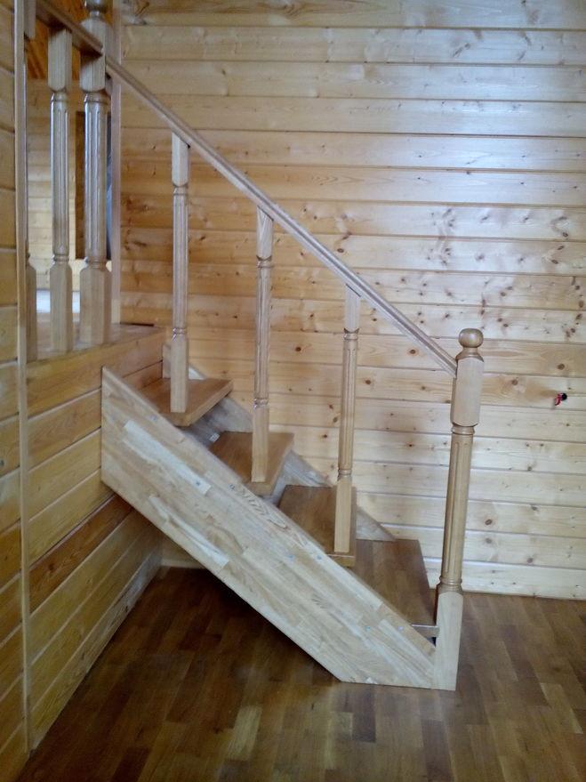 деревянная лестница в профиль