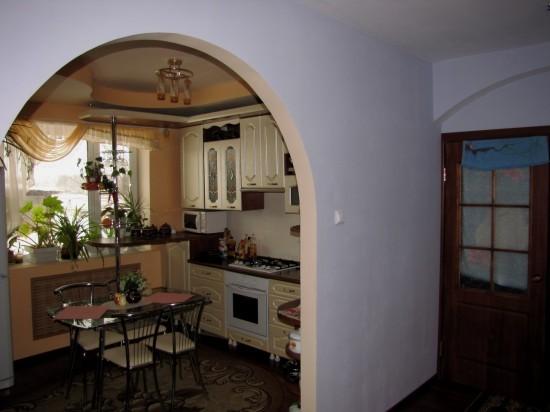 Как сделать вход на кухню через зал
